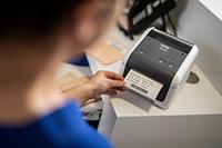 Brother TD-4520DN desktop label printer - étiquettes médicales