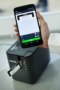 Brother PT-P900W labelprinter mobiel afdrukken via app op smartphone