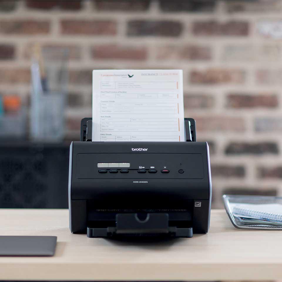 ADS-2400N desktop scanner 4