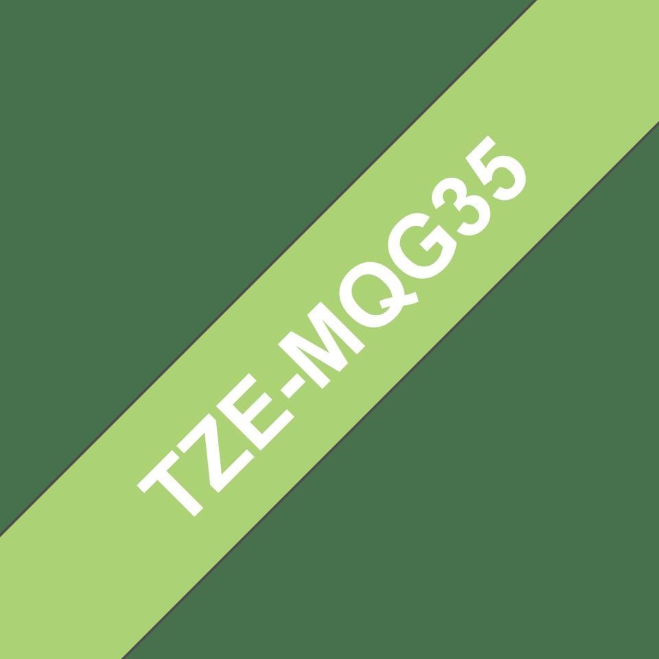 Originele Brother TZe-MQG35 labeltape cassette – Wit op mat limoengroen, 12mm breed 2